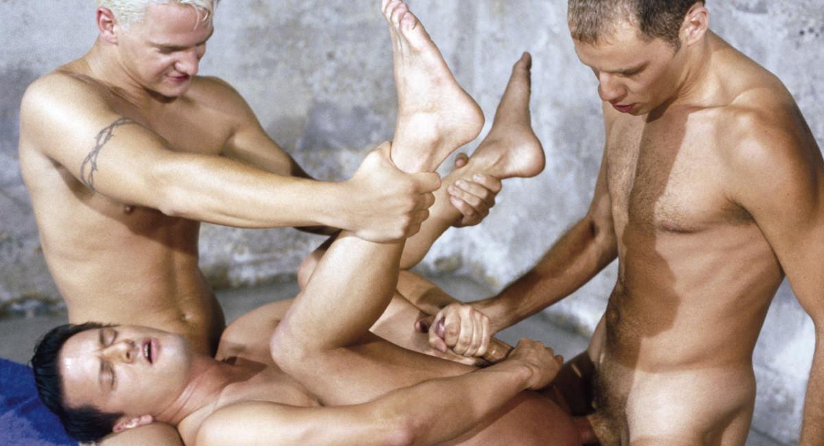 Gay Muscle Men : Spike, Matt Majors And Mark Rockwell Fuck - Matt Majors -amp; Mark Rockwell -amp; Spike!
