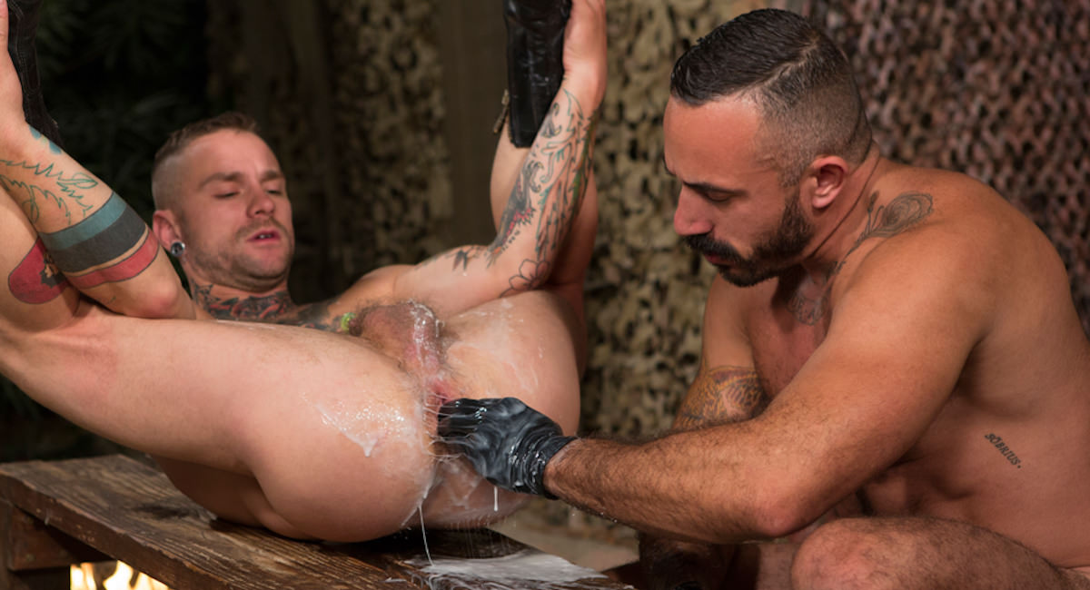 Gay Fisting Fuck : Fire In The Foxhole - Alessio Romero -amp; Cylus Kohan