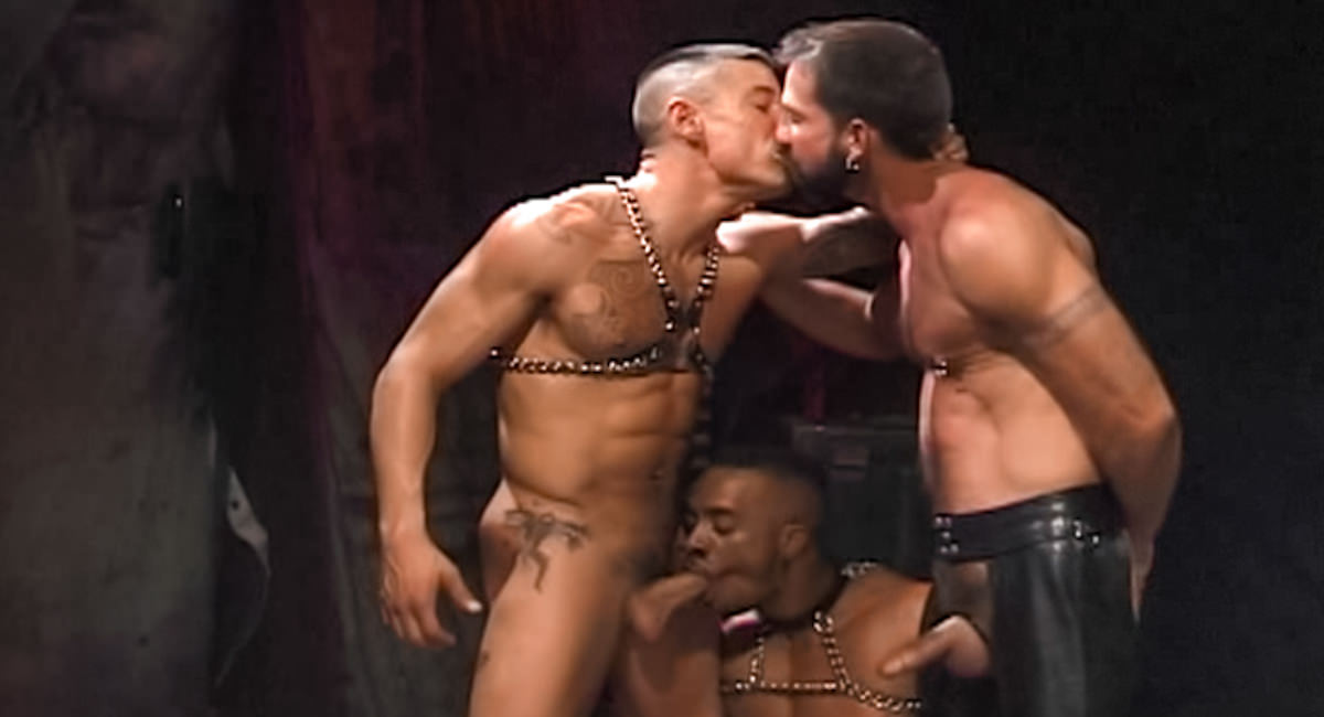 Gay Fetish Sex : in Arms Length - Simon Cox -amp; Eddie Moreno -amp; Paul Skylar!