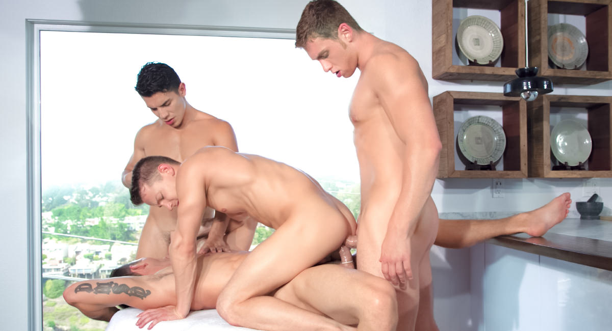 Gay Amateur Sex : Plays Together - Connor Maguire -amp; Ryan Rose -amp; Lance Luciano -amp; Darius Ferdynand!