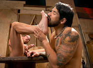 Warehouse Kinks: Draven Torres, Shane Frost screenshot