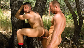 Dirty! : Max Sinclair, Tony Aziz